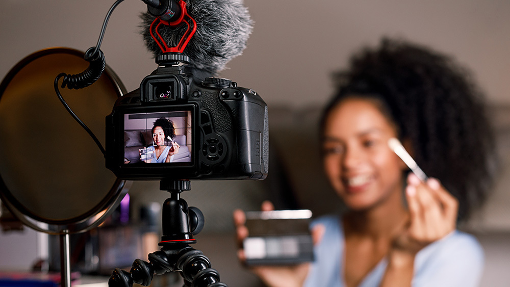Top 3 Cameras for YouTube under $1000 in 2021
